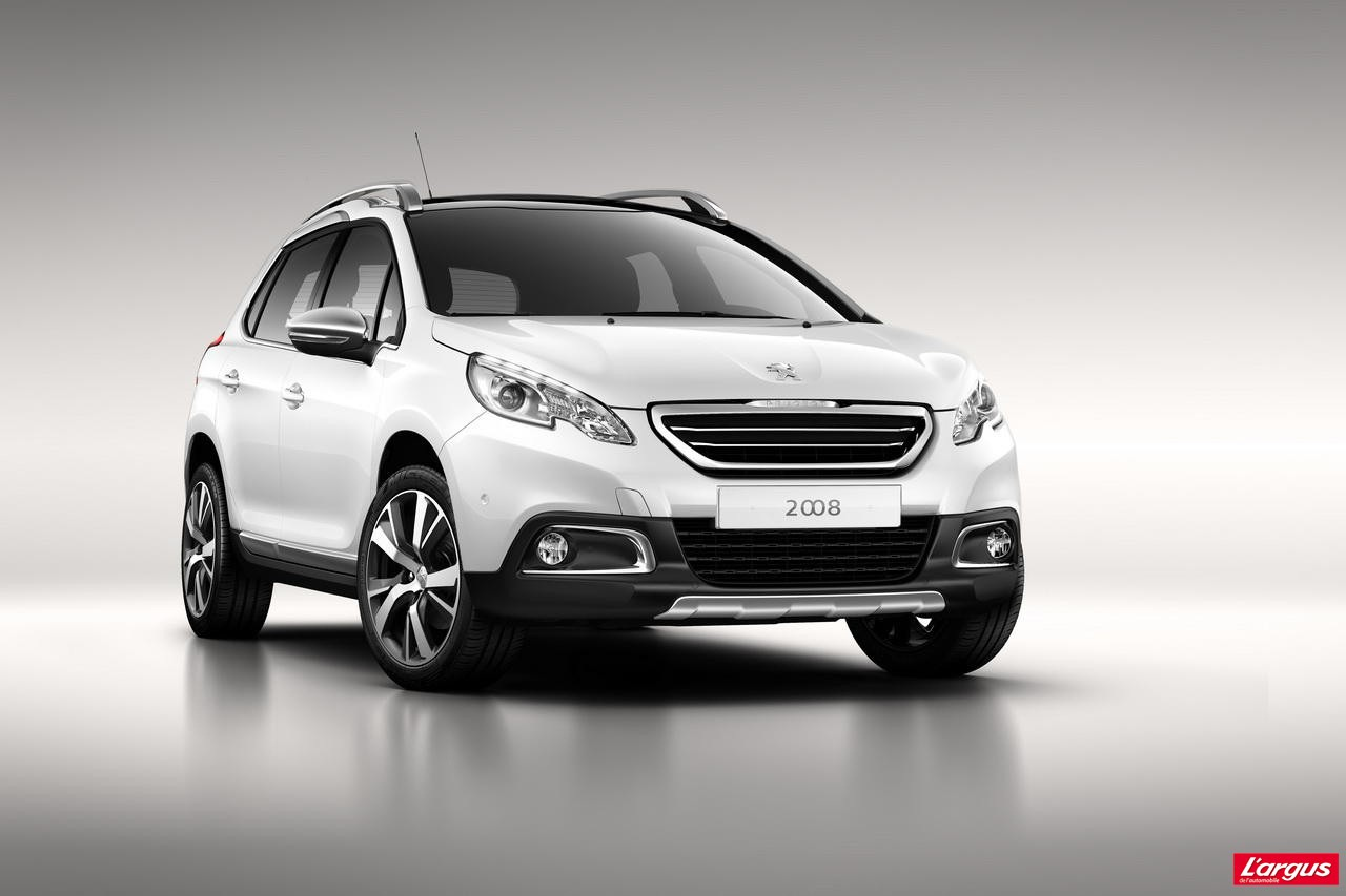 Официальные фото Peugeot 2008
